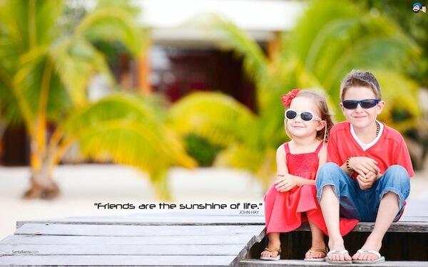 Sfondo motivante - l'amicizia è la luce del sone nella propria vita