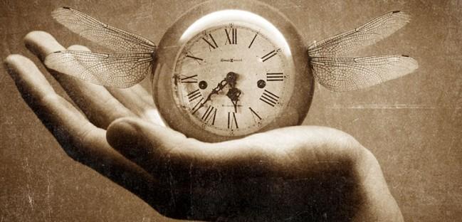 gestione del tempo, orologio con ali